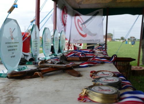 knife_throwing_medals